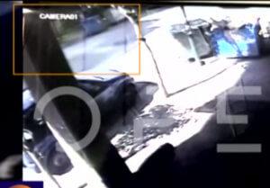 Γουδή: Βίντεο – φρίκη! Η στιγμή που η μητροκτόνος σέρνει το πτώμα της μητέρας της