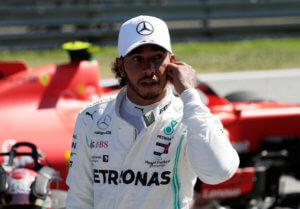 Formula 1: Τιμωρήθηκε ο Χάμιλτον! Το μεσαίο δάχτυλο του Ραϊκόνεν – video