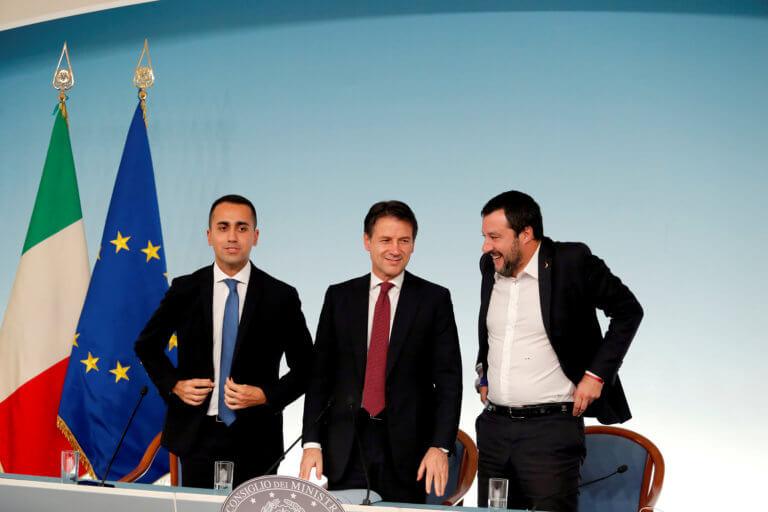 Ιταλία: Κοινό μέτωπο Σαλβίνι – Ντι Μάιο κατά Κόντε