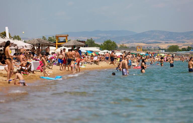 Καιρός αύριο: Κυριακή… για παραλία – «Ψήνεται» η χώρα από τις υψηλές θερμοκρασίες
