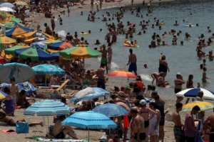Καιρός: Μικρή πτώση της θερμοκρασίας το Σάββατο – Ποιες περιοχές θα «ψηθούν» περισσότερο