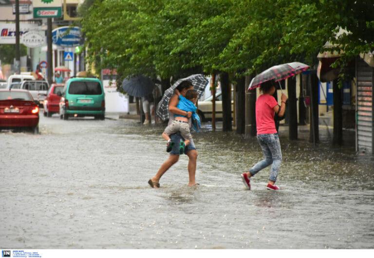 Καιρός – Ο Σάκης Αρναούτογλου προειδοποιεί: Προσοχή στις καταιγίδες τη Δευτέρα