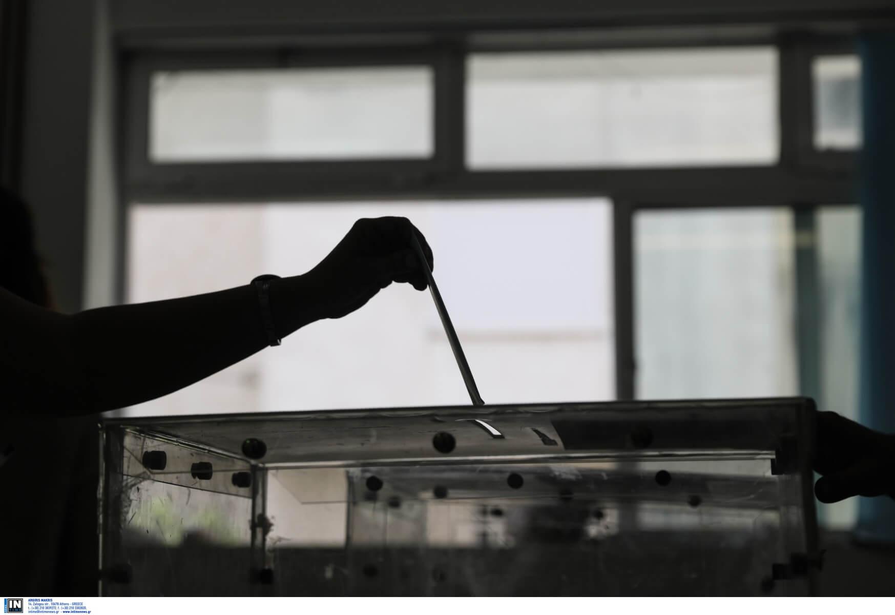 Βουλή: Διαφωνίες και εντάσεις για την ψήφο των αποδήμων