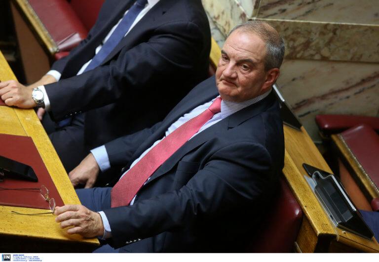 Καραμανλής: Οργή για δημοσίευμα που τον εμφανίζει να λέει «ναι» στο όνομα «Μακεδονία»!