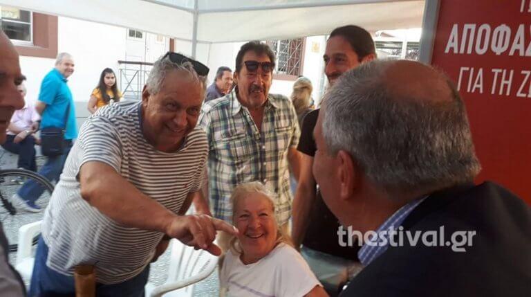 Ο Κώστας Καραμανλής στο περίπτερο του ΣΥΡΙΖΑ στη Θεσσαλονίκη!