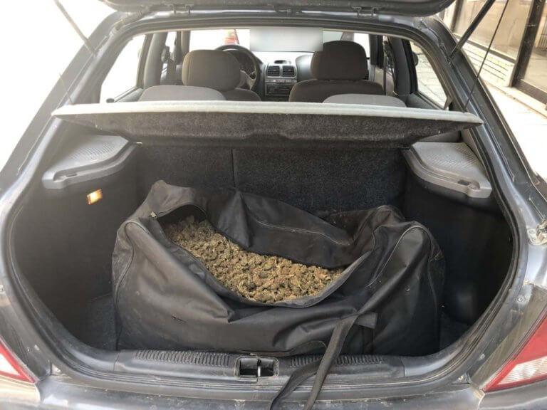 Καστοριά: Αυτό είναι το αυτοκίνητο που έκρυβε τα πειστήρια της ενοχής του – Λαβράκι σε μπλόκο της αστυνομίας [pics]