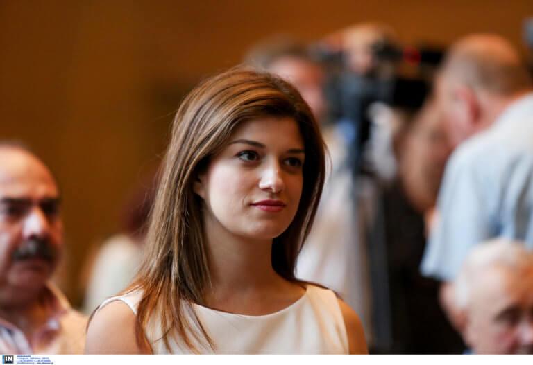 Κατερίνα Νοτοπούλου: Τα… ΜΜΕ φταίνε για το σάλο με την αφίσα του Αντετοκούνμπο