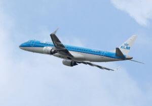 Αεροπορικές εταιρίες αλλάζουν δρομολόγιά για να αποφύγουν το Στενό του Ορμούζ