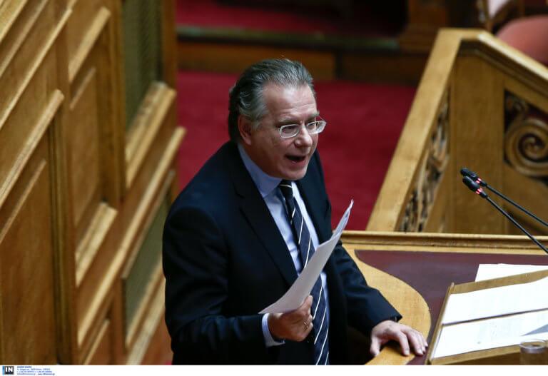 Κουμουτσάκος: Θα επανεξεταστούν οι τακτοποιήσεις στο ΥΠΕΞ