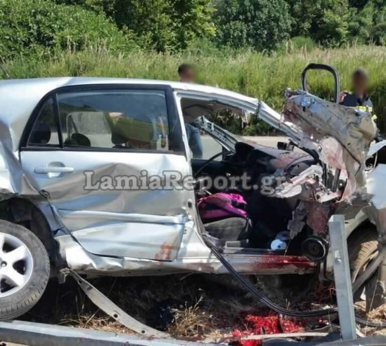 Φθιώτιδα: Σκοτώθηκε μπροστά στην 16χρονη αδερφή του – Σκληρές εικόνες στο σημείο του φοβερού τροχαίου [pics]