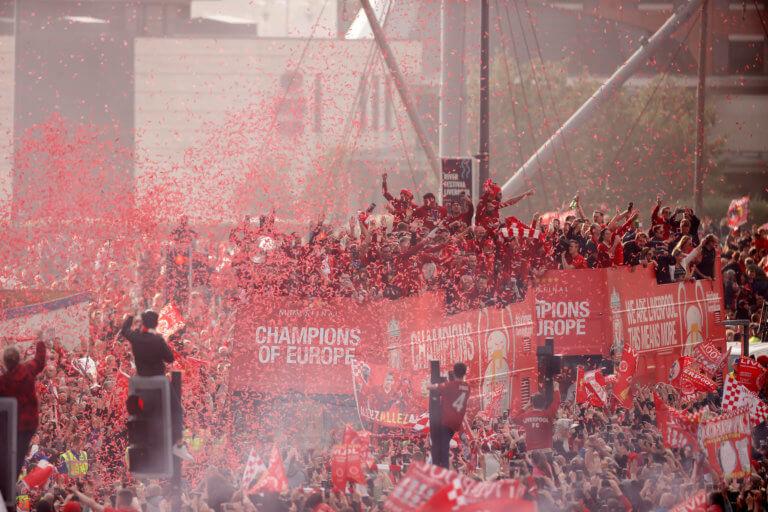 Λίβερπουλ: «Κάηκε» το Μέρσεϊσαϊντ για τους θριαμβευτές του Champions League! Φοβερές εικόνες – video