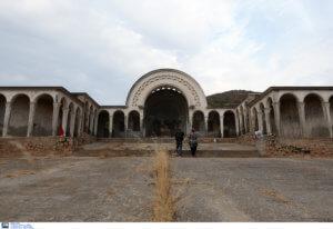 Μακρόνησος: Μπουλντόζες για κατεδαφίσεις αυθαιρέτων – «Σκέτη πρόκληση οι 22 κατασκευές στο μαρτυρικό νησί»!