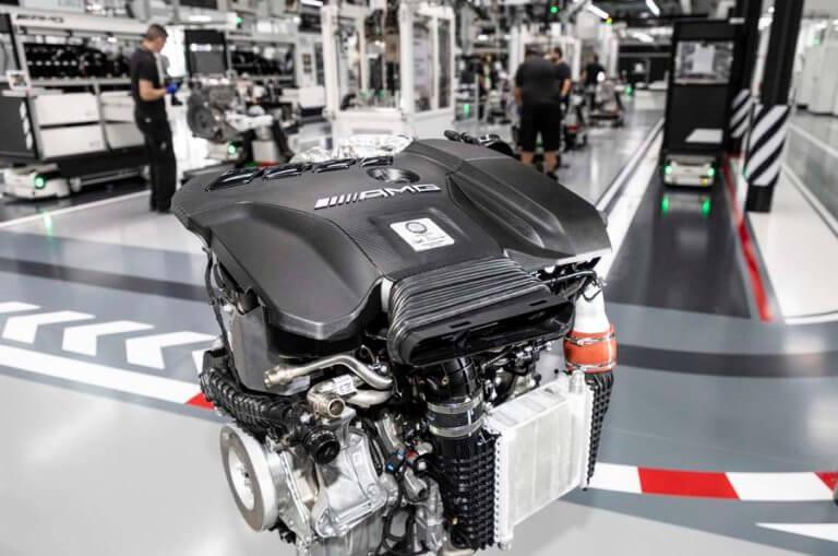 Η Mercedes βάζει στην παραγωγή τον ισχυρότερο τετρακύλινδρο κινητήρα στον κόσμο