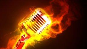 Συγκλονίζει γνωστός τραγουδιστής: «Έχω εκτεθεί μέσα από τραγούδια μου! Γι' αυτό κι δεν υπογράφω δικούς μου στίχους!»