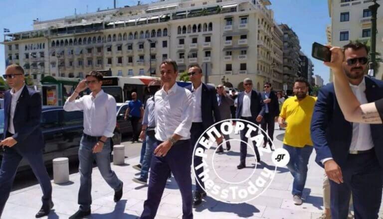 Με τον γιο του στη Θεσσαλονίκη ο Κυριάκος Μητσοτάκης – video