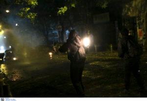 Νέα επεισόδια στα Εξάρχεια τα ξημερώματα – 15 προσαγωγές και τρεις συλλήψεις