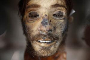 Μουσείο… για γερά στομάχια! Το κεφάλι του Γιαγκούλα, κρανία, μούμιες και γκιλοτίνα! pics
