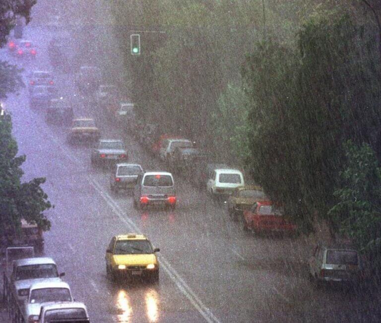 Καιρός αύριο: Έρχονται βροχές, θυελλώδεις βοριάδες και μεγάλη πτώση της θερμοκρασίας!