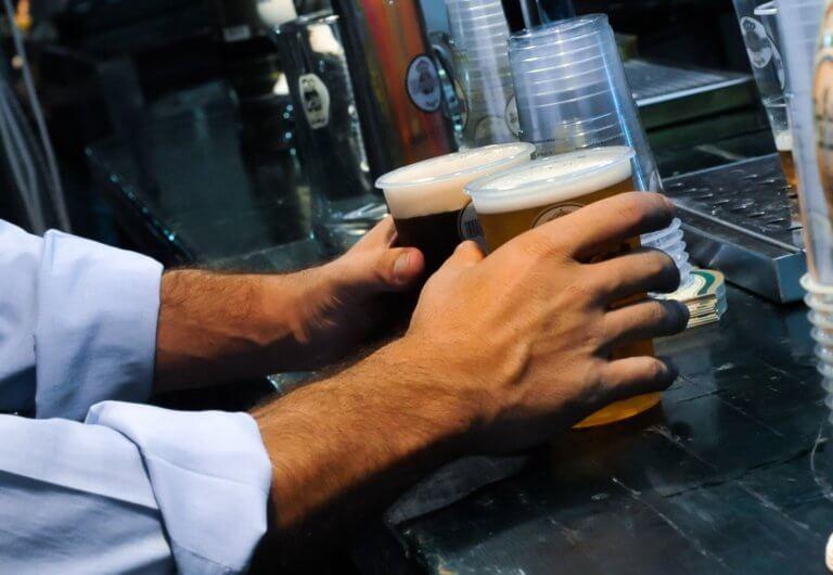 Ο Κάρολος Φίξ και η μπύρα του