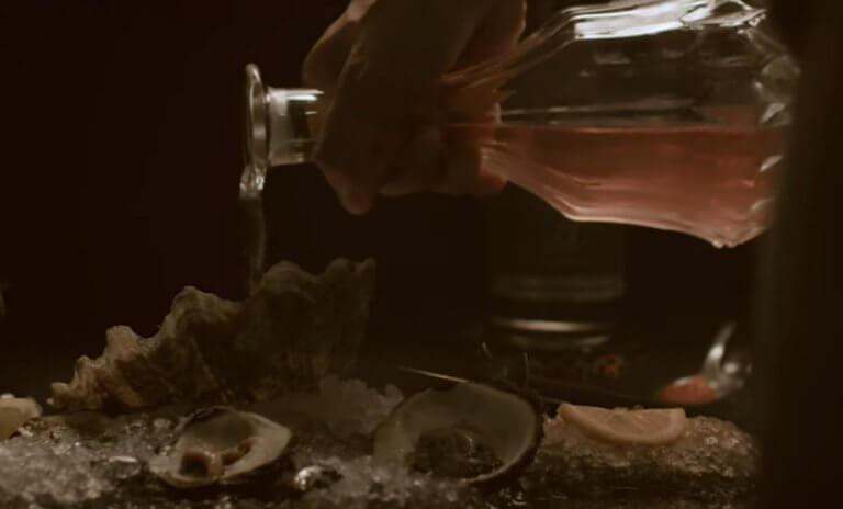 Μύκονος: «Δεν είμαστε για φτωχούς Έλληνες» – Ο εστιάτορας με τα «χρυσά» καλαμαράκια εξηγεί τις τιμές – video