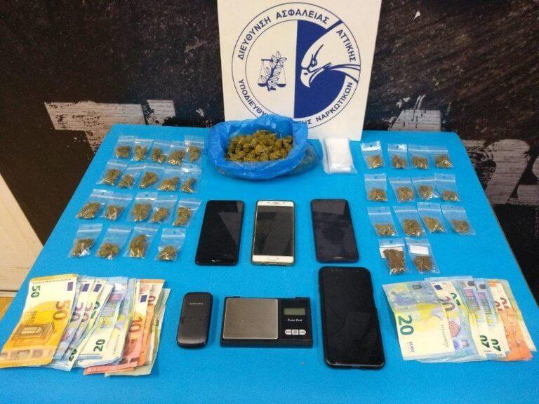 Εξάρχεια: «Χτύπημα» σε κύκλωμα ναρκωτικών – Πέντε συλλήψεις