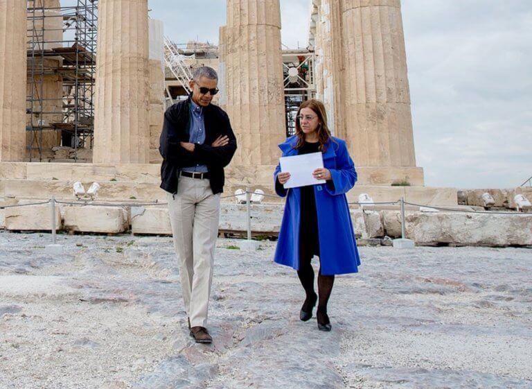 Ακρόπολη – αναβατόριο: Διώχνουν την αρχαιολόγο που ξενάγησε τον Μπαράκ Ομπάμα