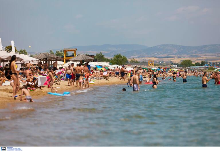 ΕΚΠΟΙΖΩ: Οι κανόνες για την ελεύθερη πρόσβαση των πολιτών στις παραλίες