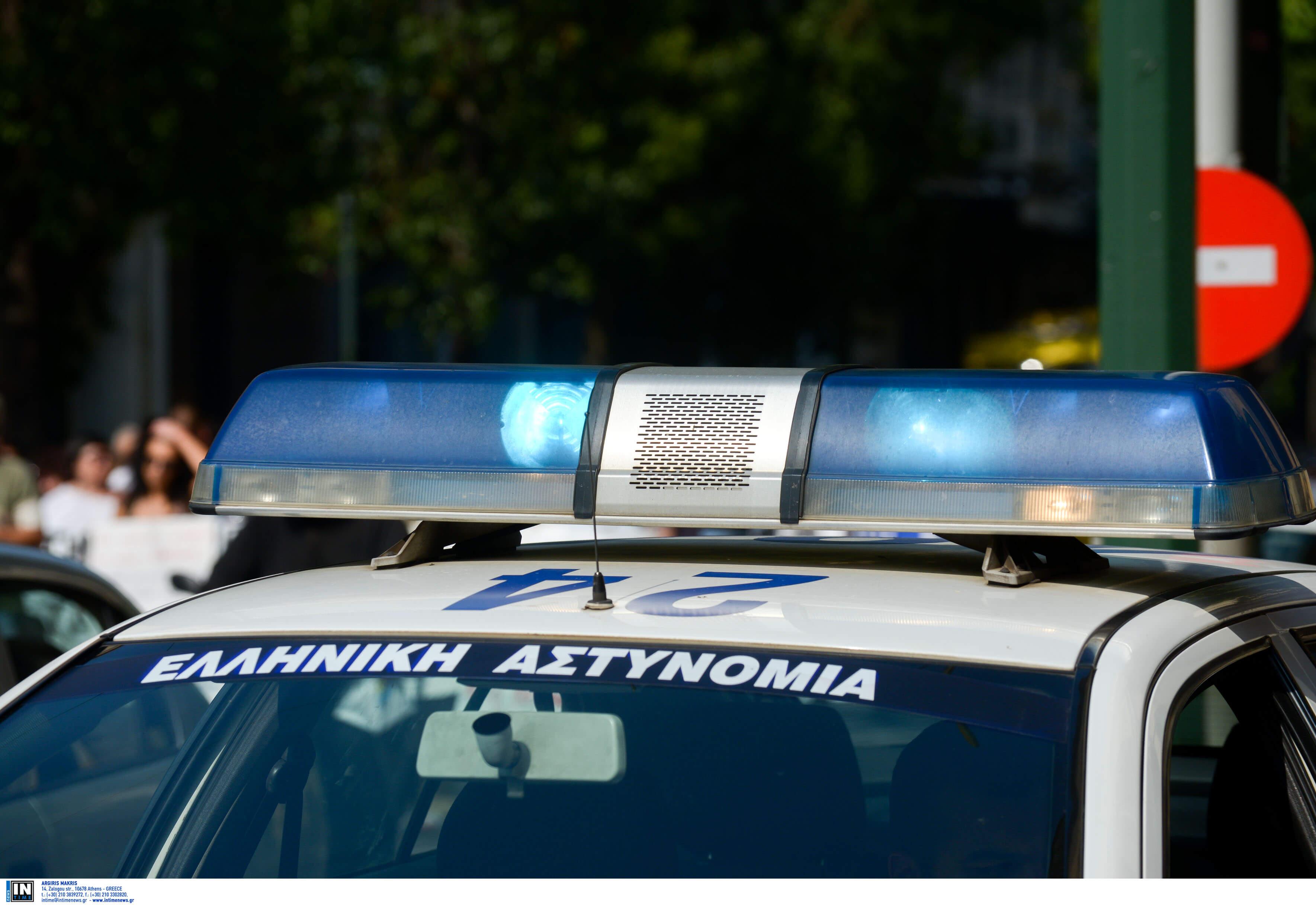 Ξάνθη: Στρίμωξε σε αυτοκίνητο 19 άτομα – Οι αστυνομικοί προσπαθούσαν να πιστέψουν στα μάτια τους!