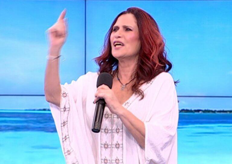 Πωλίνα: Κάνει πρόταση γάμου σε συνάδελφό της, στο τελευταίο «Πακέτο» της σεζόν!