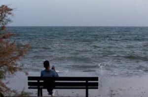 Νεκρός βρέθηκε στη θάλασσα γνωστός επιχειρηματίας της Πάτρας!