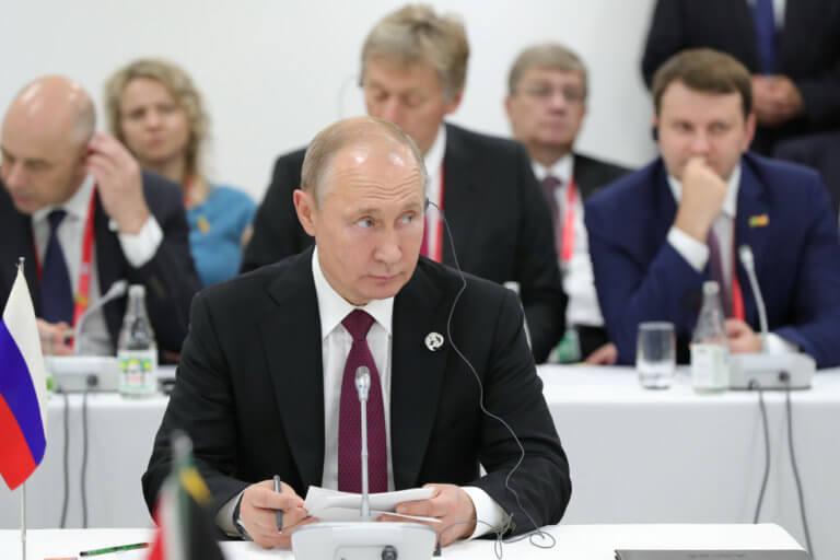 Μανιφέστο ρατσισμού από τον Πούτιν μέσα από τους Financial Times