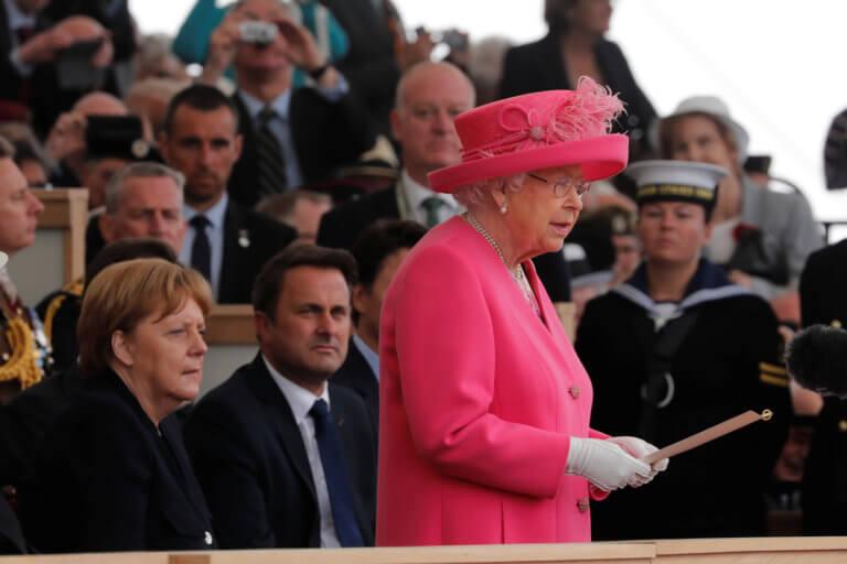 Η ατάκα της Βασίλισσας Ελισάβετ που τους άφησε όλους άναυδους [video]