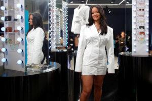 Ριάνα: Το έριξε… στα ρούχα! Άνοιξε το δεύτερο κατάστημά της! pics