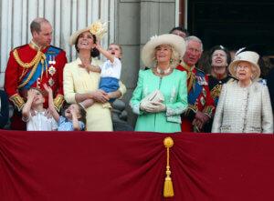 Γκριμάτσες, λιποθυμίες και… πρίγκιπας Λούις – Οι εορτασμοί για τα γενέθλια της Βασίλισσας Ελισάβετ