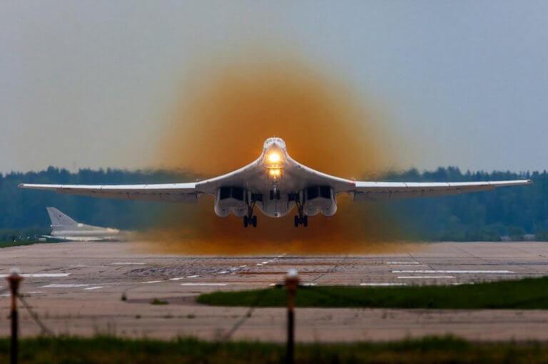 Βενεζουέλα: Προσγειώθηκε κι άλλο ρωσικό πολεμικό αεροσκάφος!