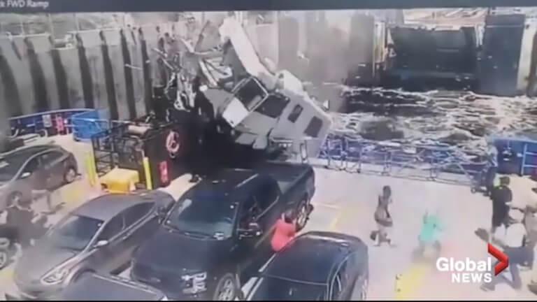 Τραγικό δυστύχημα με «ιπτάμενο» τροχόσπιτο να προσγειώνεται σε φέρι! [vid]