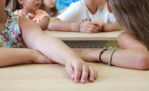 Αίσχος! Υπάλληλος σχολείου είπε σε παιδάκια να χαίρονται που δεν είναι σκλάβοι!