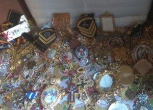 Άγιο Όρος: Αυτοκρατορικά κοσμήματα, χρυσά περιδέραια και χιλιάδες ευρώ – Νέες αποκαλύψεις για τον «ποντικό» [pics]