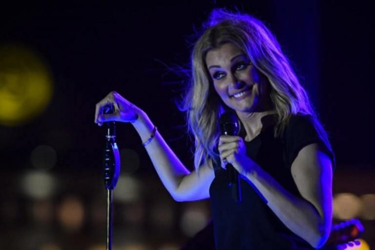 Θεσσαλονίκη: Διέκοψε τη Νατάσα Θεοδωρίδου και έκανε τη μεγάλη έκπληξη – Οι σκηνές στα μπουζούκια – video