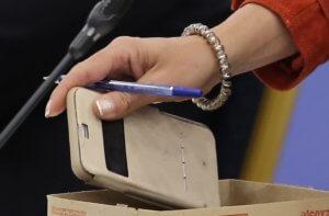 """Ηράκλειο: """"Την κούρεψα όταν διάβασα το μήνυμα στο κινητό της τηλέφωνο"""" – Σκληρές εικόνες μπροστά στα παιδιά τους!"""