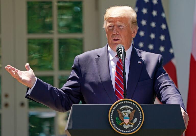 Τραμπ: Σύντομα θα μάθετε αν θα βομβαρδίσουμε το Ιράν