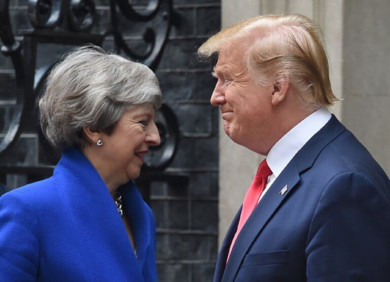 Τραμπ: Η Μέι δεν πήρε τα εύσημα που της άξιζαν για τις διαπραγματεύσεις του Brexit