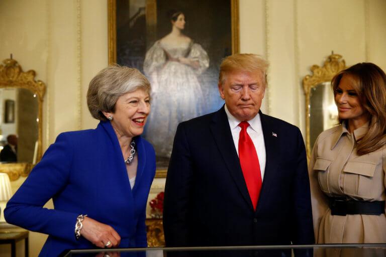 Ντόναλντ Τραμπ και Τερέζα Μέι – Τετ α τετ στην Downing Street