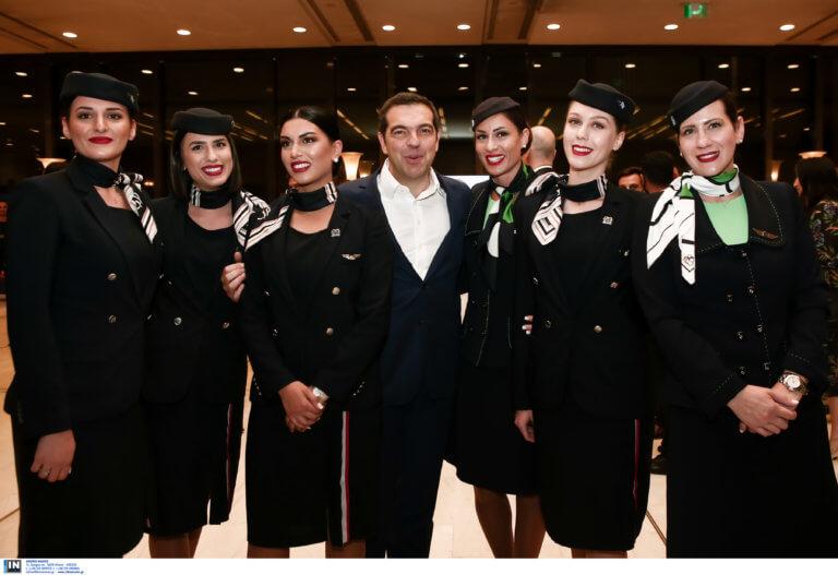 Τσίπρας… Airlines! Ο πρωθυπουργός με έξι καλλονές αεροσυνοδούς!