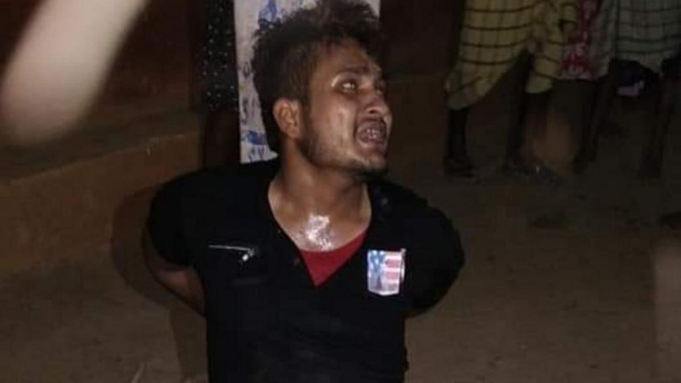 Φρίκη! Λίντσαραν μουσουλμάνο μέχρι θανάτου  - Ικέτευε τους βασανιστές του - Πολύ σκληρό βίντεο
