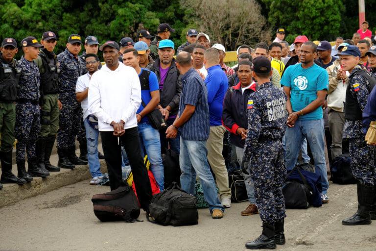 """Βενεζουέλα: Απελάθηκαν 50 Κολομβιανοί μετά από τρία χρόνια """"ομηρίας"""" σύμφωνα με τον ΟΗΕ"""