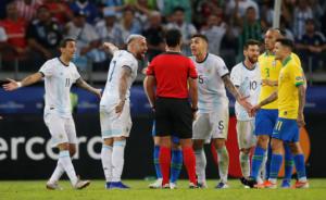 Σκάνδαλο στο Copa America; Η Αργεντινή καταγγέλλει VAR, διαιτησία και… Μπολσονάρο!