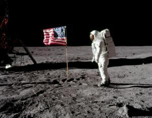 Apollo 11: 50 χρόνια από την μυθική αποστολή και τον περίπατο στη Σελήνη! Video