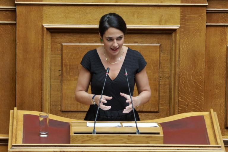 Δόμνα Μιχαηλίδου: 2.000 ευρώ για κάθε παιδί που γεννιέται – Δεν θα κοπεί κανένα επίδομα!
