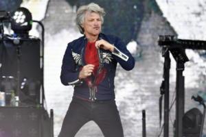 Ο πολιτικοποιημένος Jon Bon Jovi – Διοργανώνει δεξίωση υπέρ του Κόρι Μπούκερ